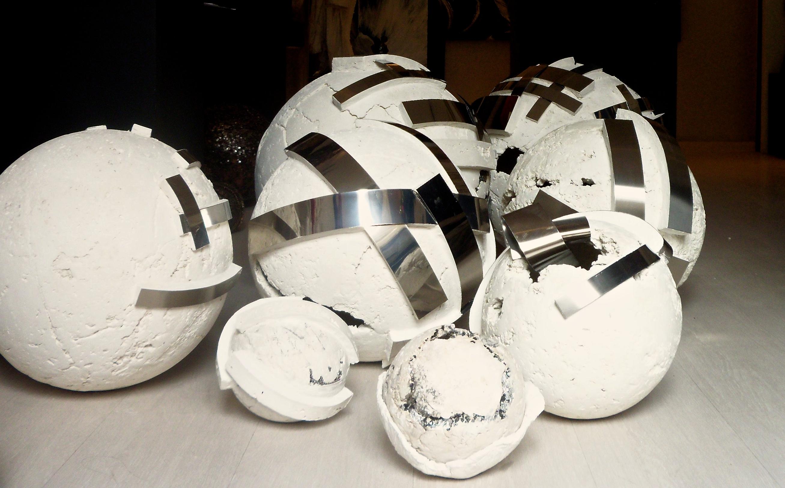 cemento, scultura, arte, edy gree,taormina, acciaio, sfera,