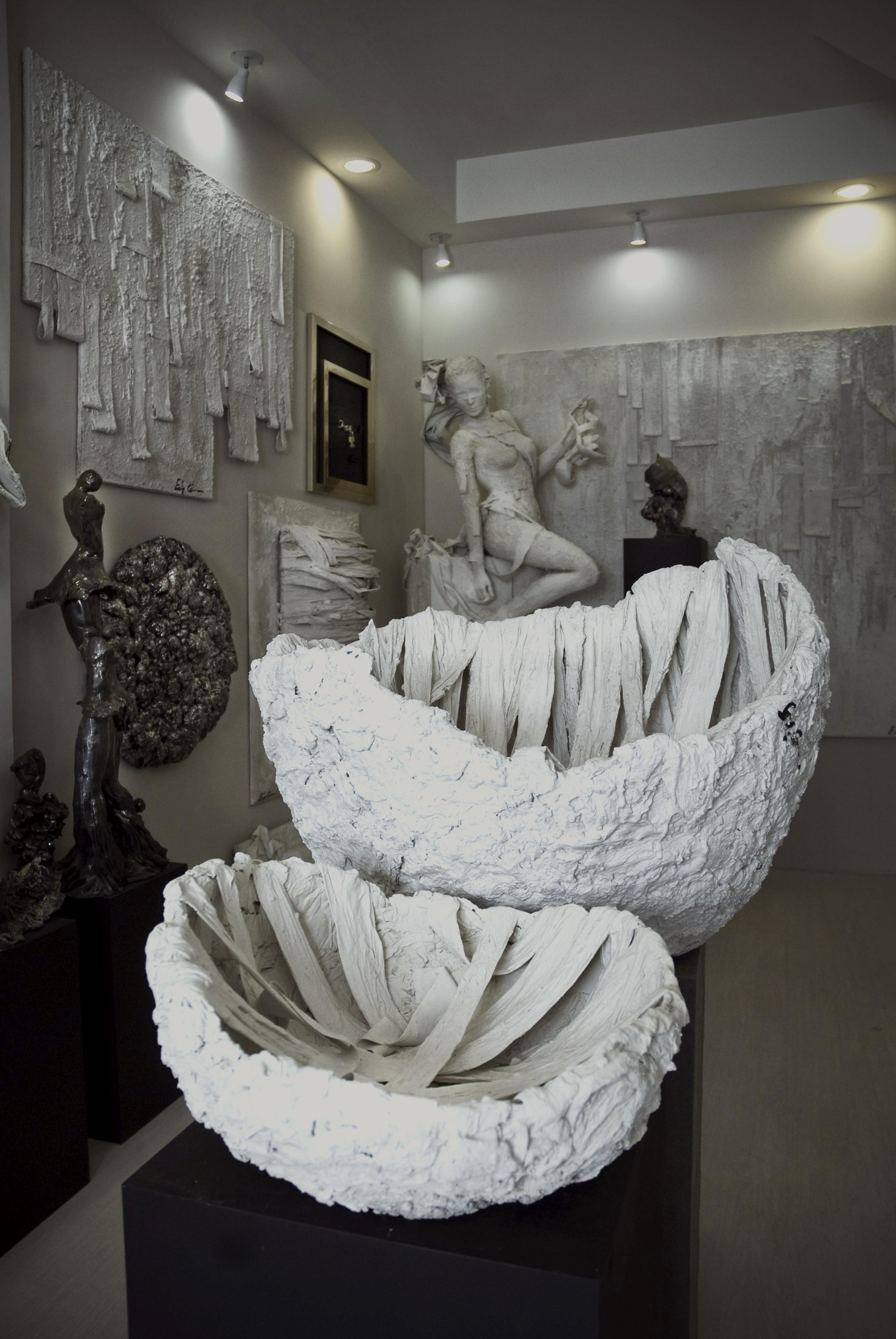 studio d'arte atelier Edy Gree Taormina opere d'arte in cemento acciaio ceramica ferro tela legno